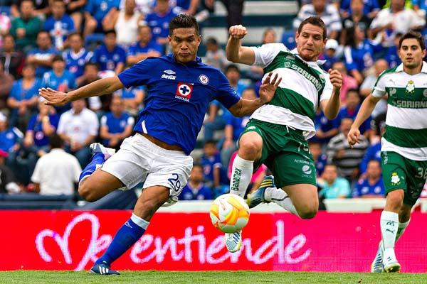 El Estadio Corona se le dificulta al Cruz Azul