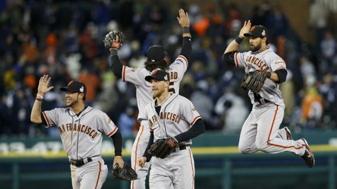 Los Gigantes celebran que se acercan a los Dodgers.