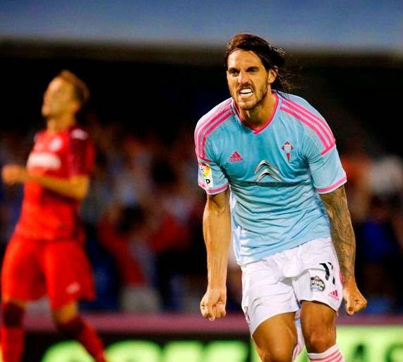 Larrivey quiere jugarle al Barcelona al tú por tú.