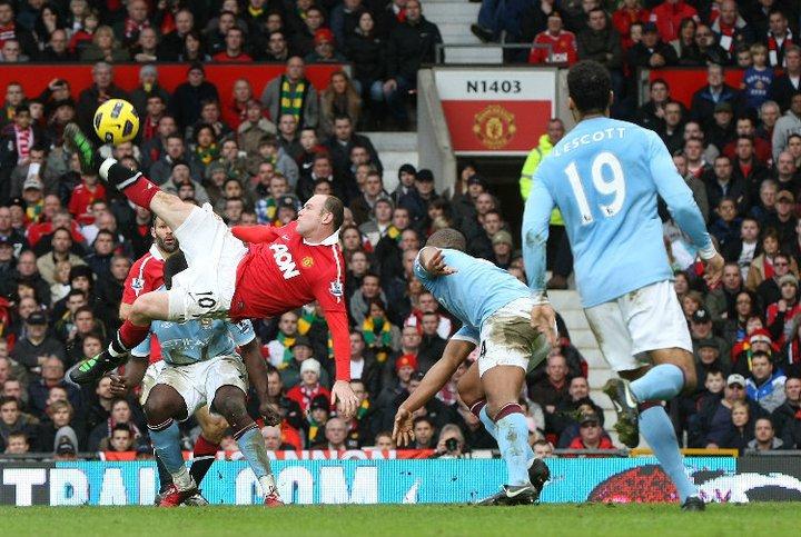 Wayne Rooney regresa a la alineación del United, a tiempo para enfrentar al City