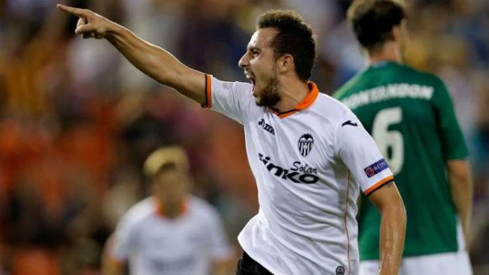 Paco Alcacer quiere ganarle al Barcelona.