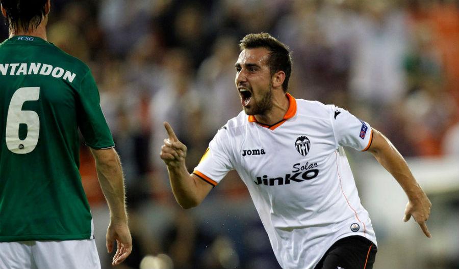 Con Negredo lesionado, Alcácer es pieza clave para el Valencia.