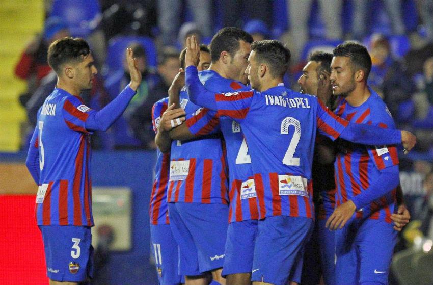 El Levante perdió por 5 goles ante el Barcelona en la Liga 2014-15.
