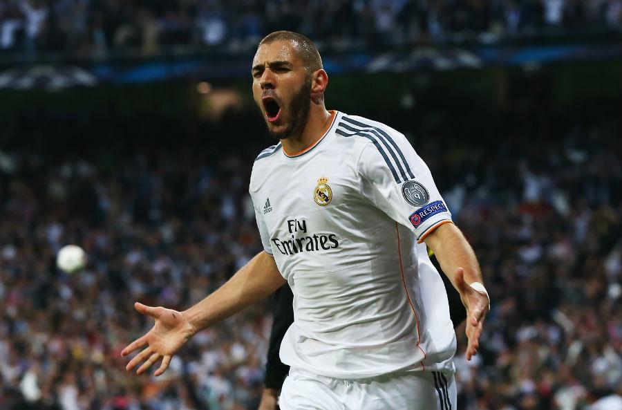 Karim Benzema vuelve a ser protagonista dentro del campo.