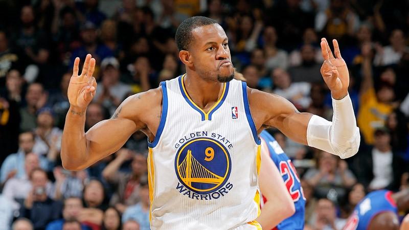 Los Warriors quieren cerrar la serie en su visita a Houston.