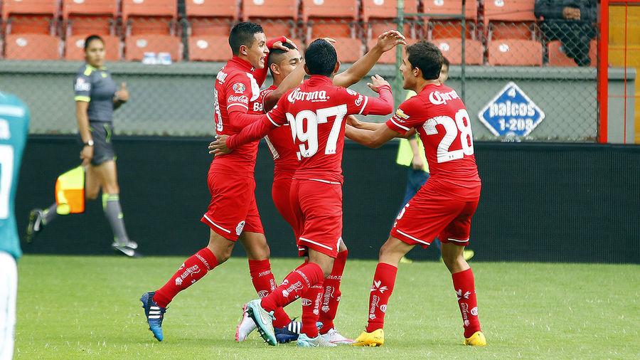 Alexis Vega quiere celebrar goles en el Azteca.