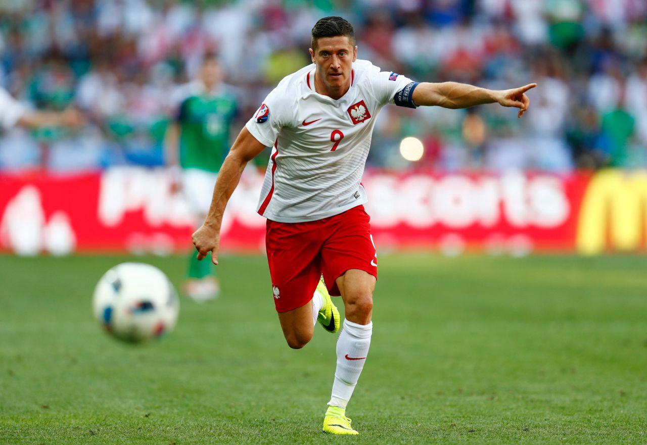 Lewandowski busca ante Ucrania anotar su primer gol en la Euro 2016